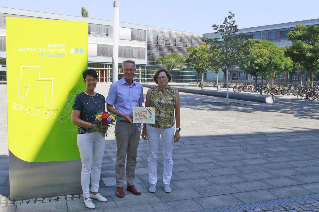 Clever in Sonne und Schatten für sportbetonte Schulen - Auszeichnung Sportoberschule Dresden